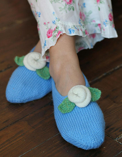 Slippers for women knitting pattern