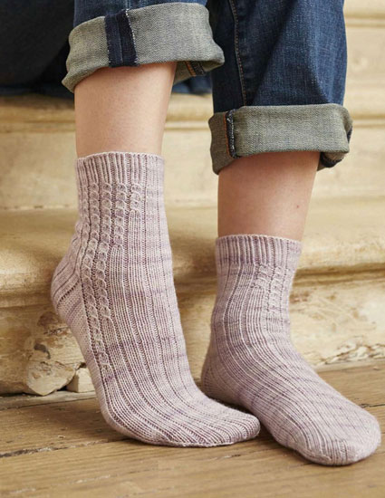 Women's socks knitting pattern