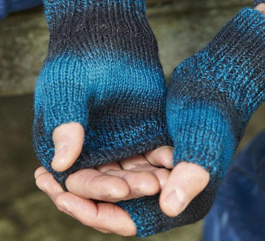 Knitted mitts for mens