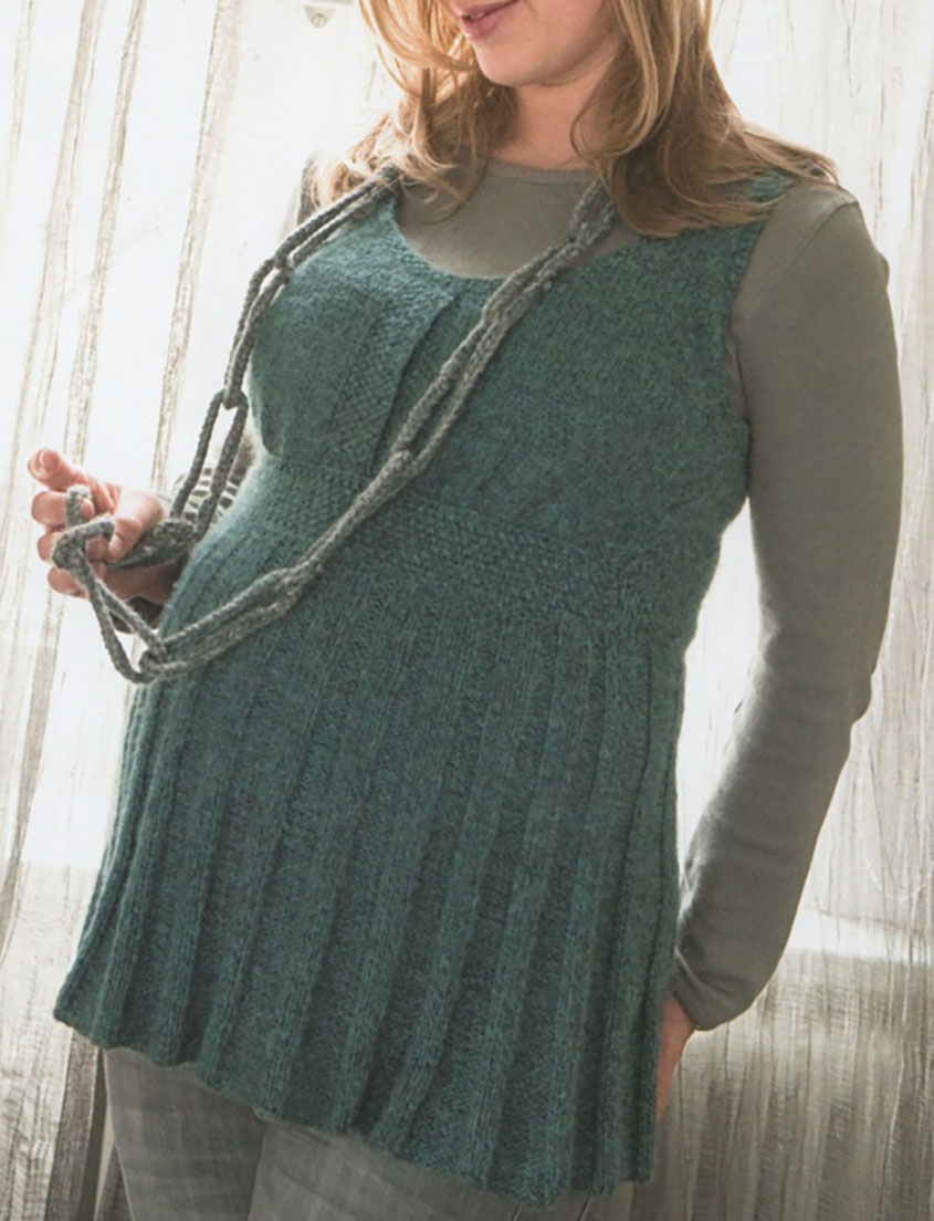 Knitted tunic for pregnant women