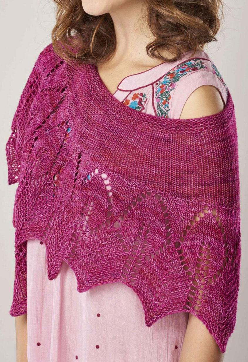 Crescent shaped shawl knitting pattern